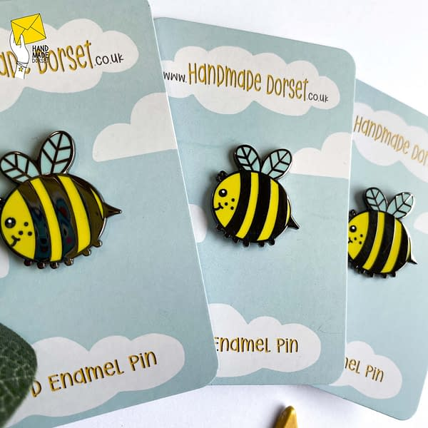 Cute bee enamel pin, bee pin